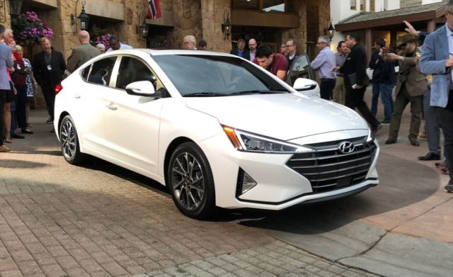 2019-hyundai-elantra-india-side front