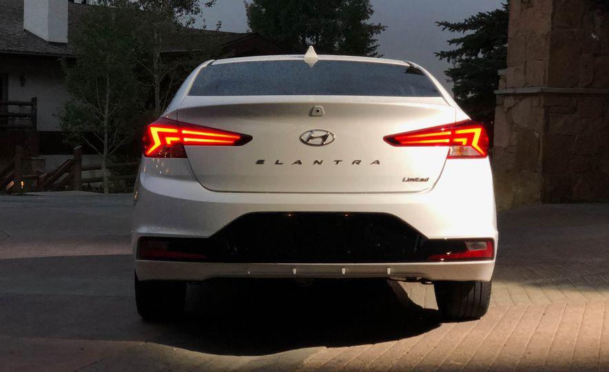 India-Bound 2019 Hyundai Elantra Facelift Revealed