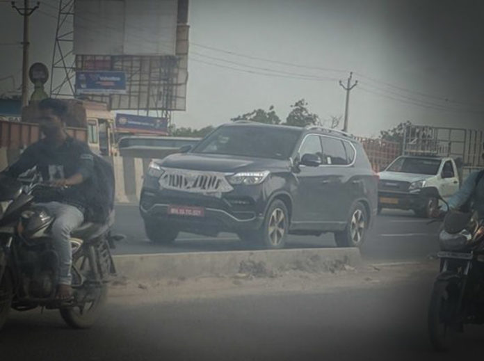 Mahindra Y400 Spied For The First Time With Production Grille