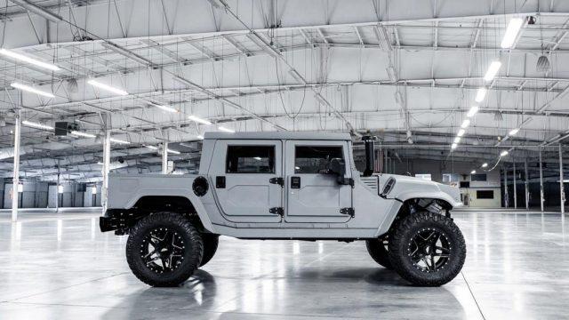 Mil-Spec Automotive Hummer H1 Side
