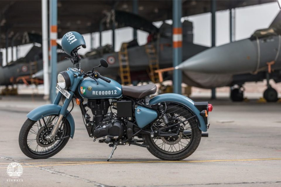 Royal-Enfield-Classis-350-Signal-Edition-launched-in-India-7