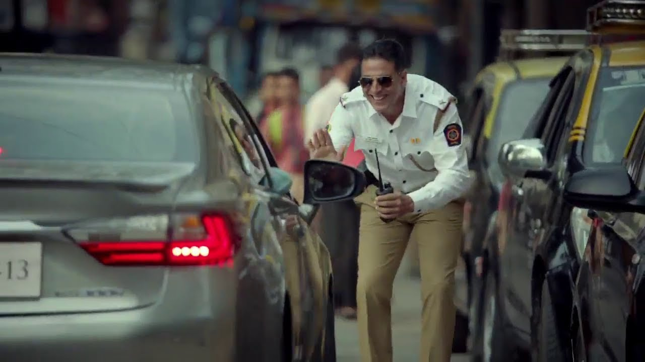 Akshay Kumar urges people to follow traffic rules