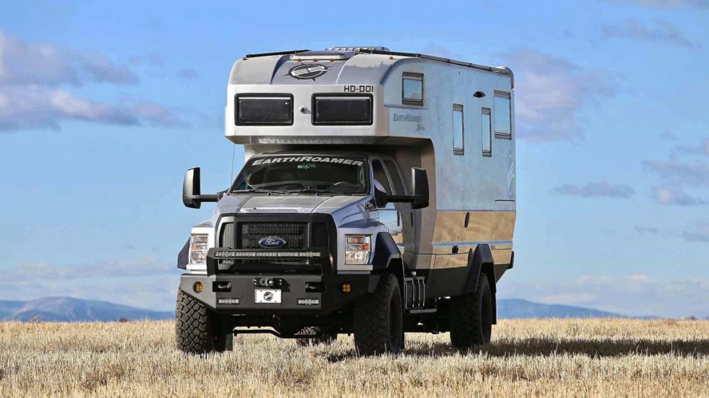 earthroamer-xv-hd-ford-f-750-front