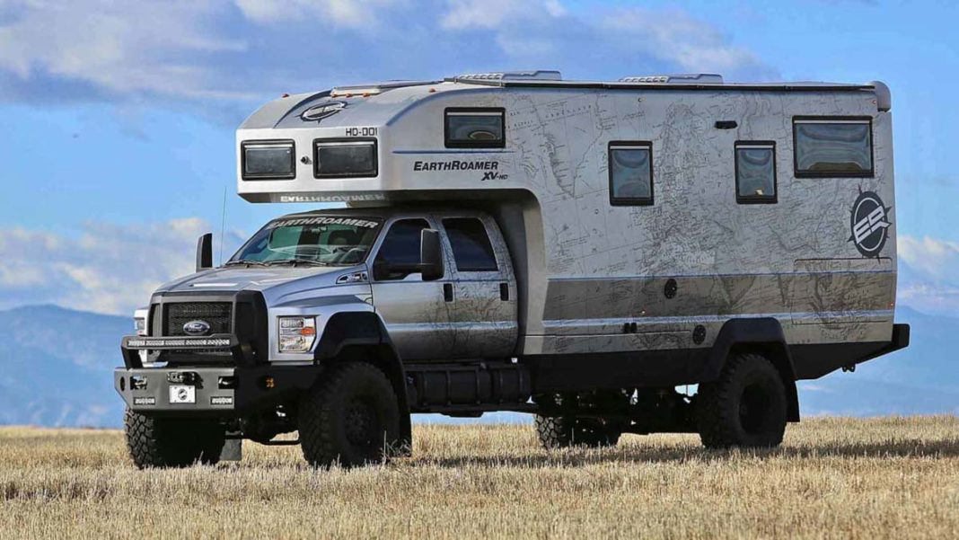 earthroamer-xv-hd-ford-f-750-side-big