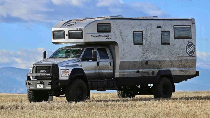 earthroamer-xv-hd-ford-f-750-side-big