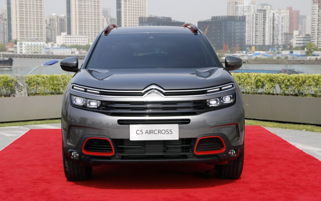 front view Citroen C5 Aircross