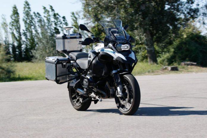 BMW-R1200-GS-Adventure-Bike-Concept-1