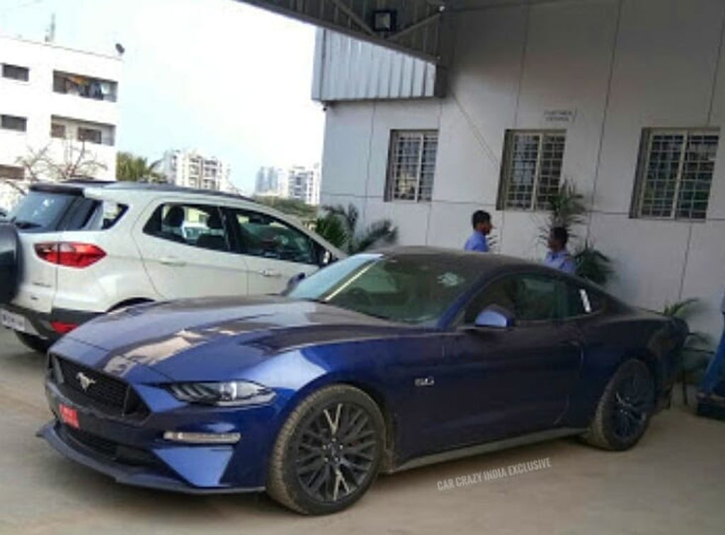 Ford-Mustang-Facelift-spotted-in-India-2