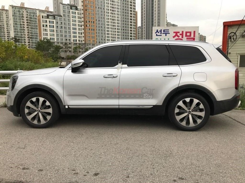 Kia-Telluride-production-model-spotted