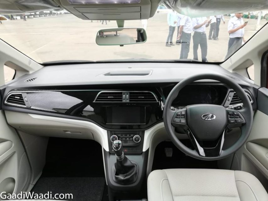Mahindra Marazzo MPV Launched In India - Price, Specs, Features, Interior, Design, Booking, Mileage 45