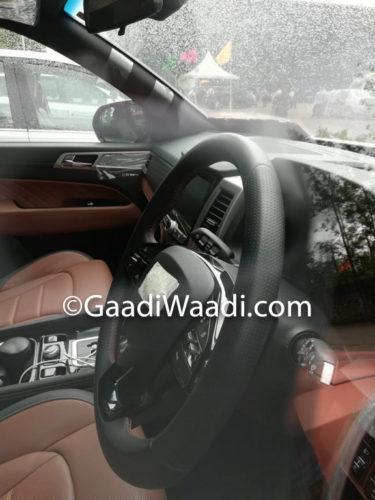 Mahindra XUV700 (Rexton) Spied Steering Wheel