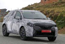 Renault-Clio-SUV-spied-1
