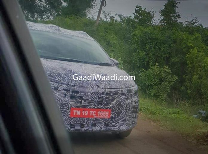 Renault RBC Spied (Upcoming Renault Seven Seat MPV) 5