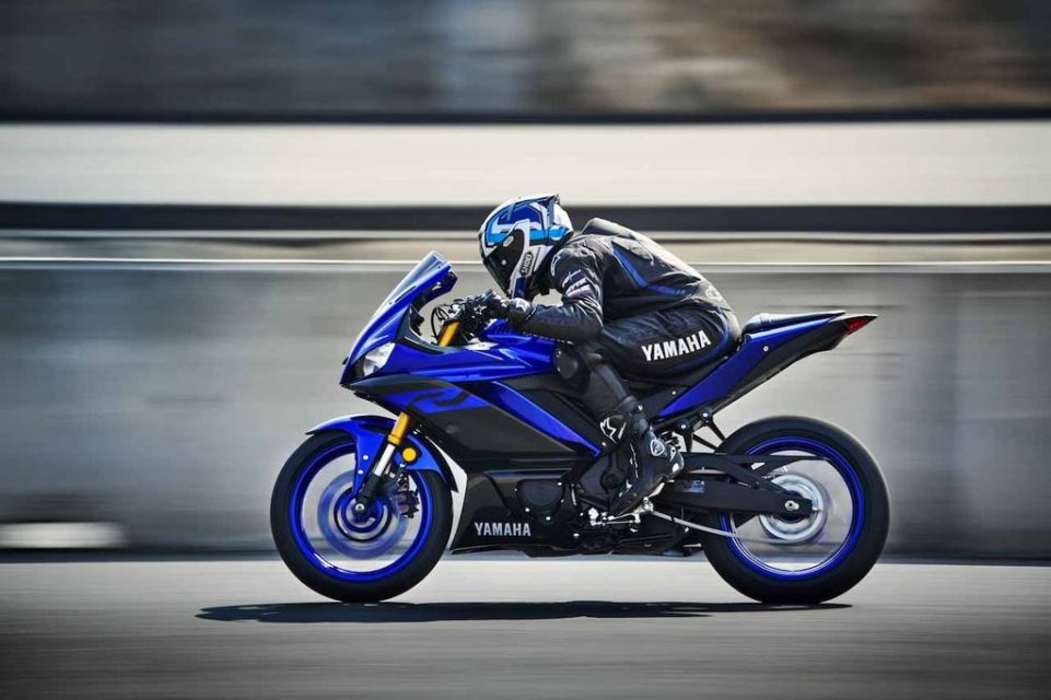 2019-Yamaha-R3-Revealed-7