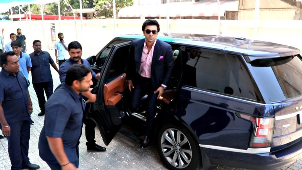 Who Owns Range Rover >> 8 Indian Bollywood Celebrities Who Owns Jaguar Land Rover Suvs