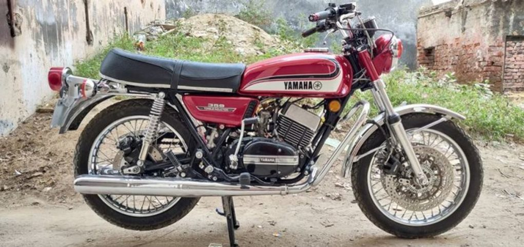 Modified-Yamaha-RD-350-1