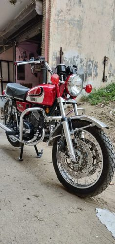 Modified-Yamaha-RD-350-2