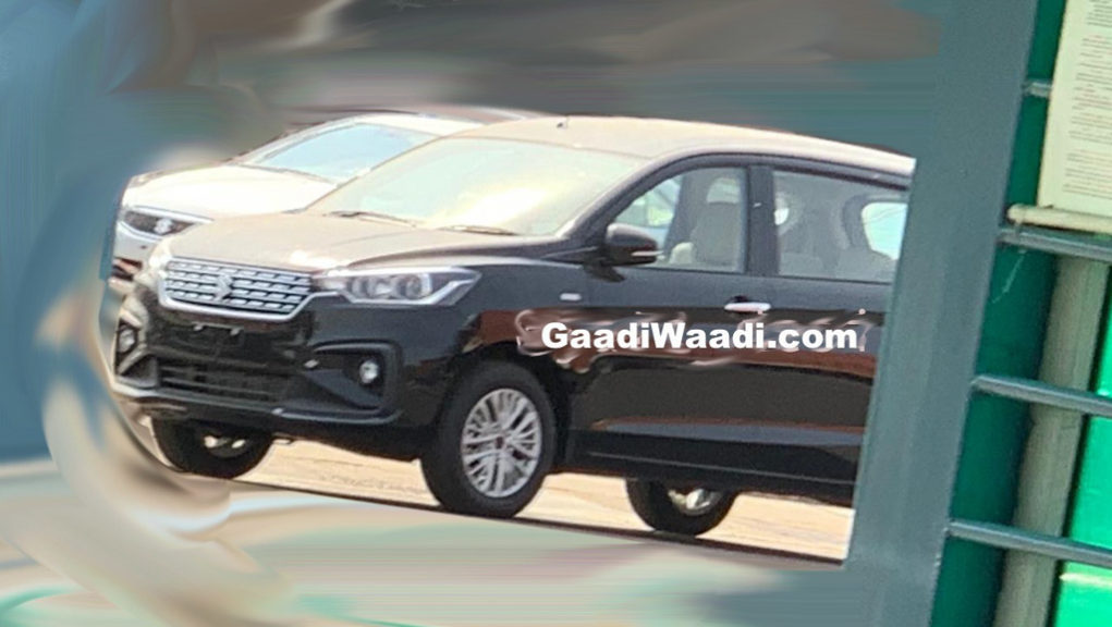 New Maruti Ertiga Spotted With Chrome Boot Applique, Production Begins 1