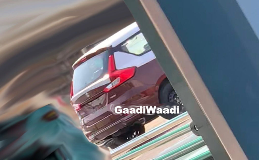New Maruti Ertiga Spotted With Chrome Boot Applique, Production Begins