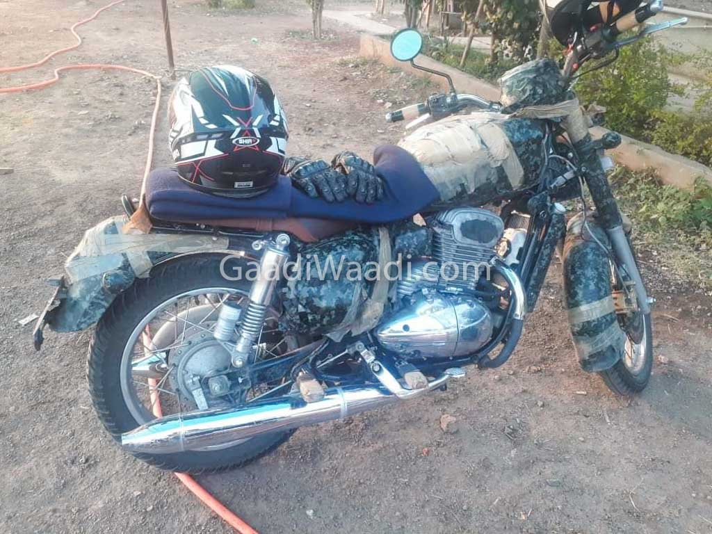 Jawa 300cc Motorcycle Spied For The First Time In India New Honda Bikes Yezdi 350cc Bike 1