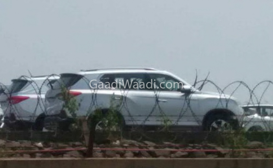 mahindra xuv700 production version-1