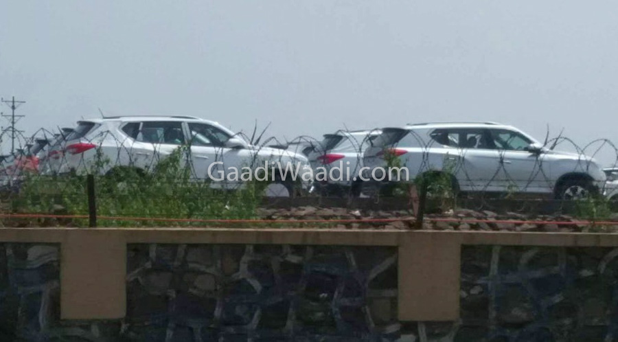 mahindra xuv700 production version-5
