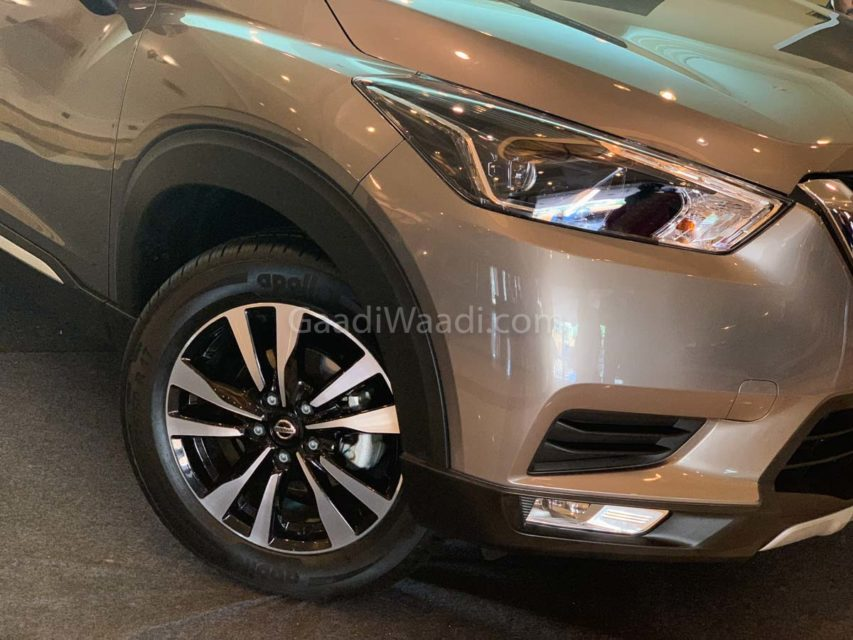 nissan kicks SUV interior-6