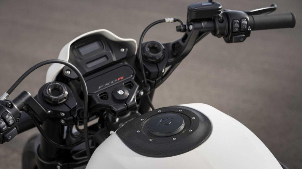 2019-Harley-Davidson-FXDR-114-3