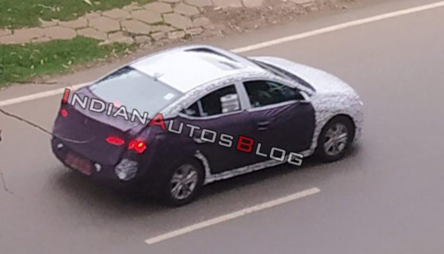 2019 Hyundai Elantra Facelift Spotted Testing India 1