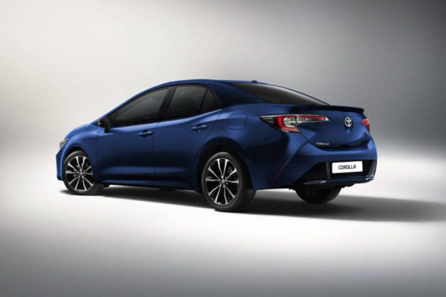 2019 toyota corolla sedan india_