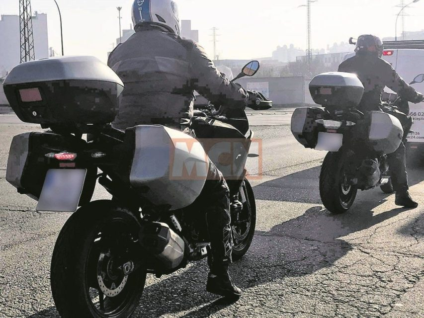 BMW-middleweight-motorcyle-spied-2