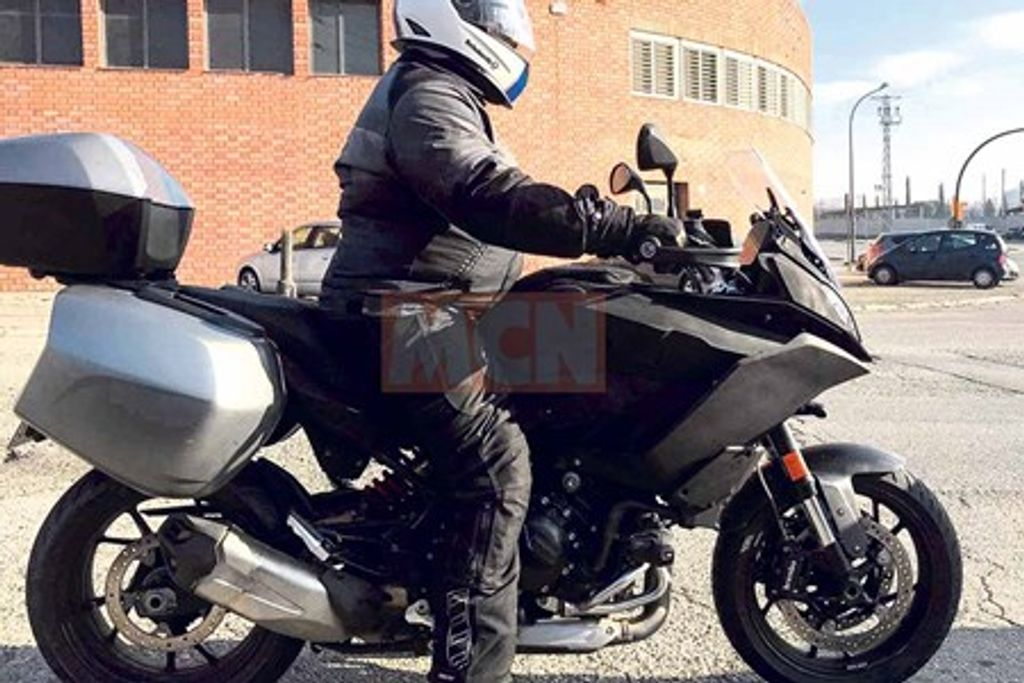 BMW-middleweight-motorcycle-spied