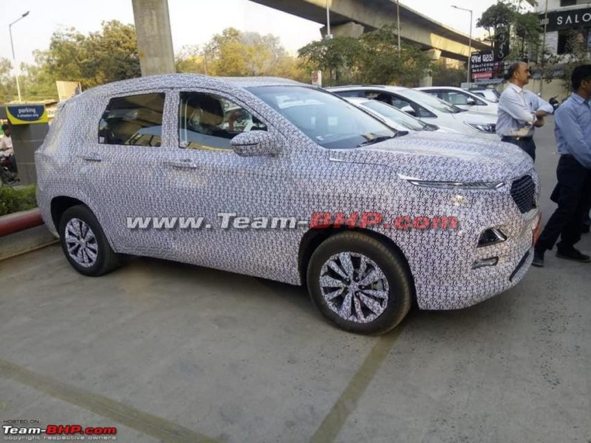 Baojun-530-SUV-spied-with-MG-grille-2