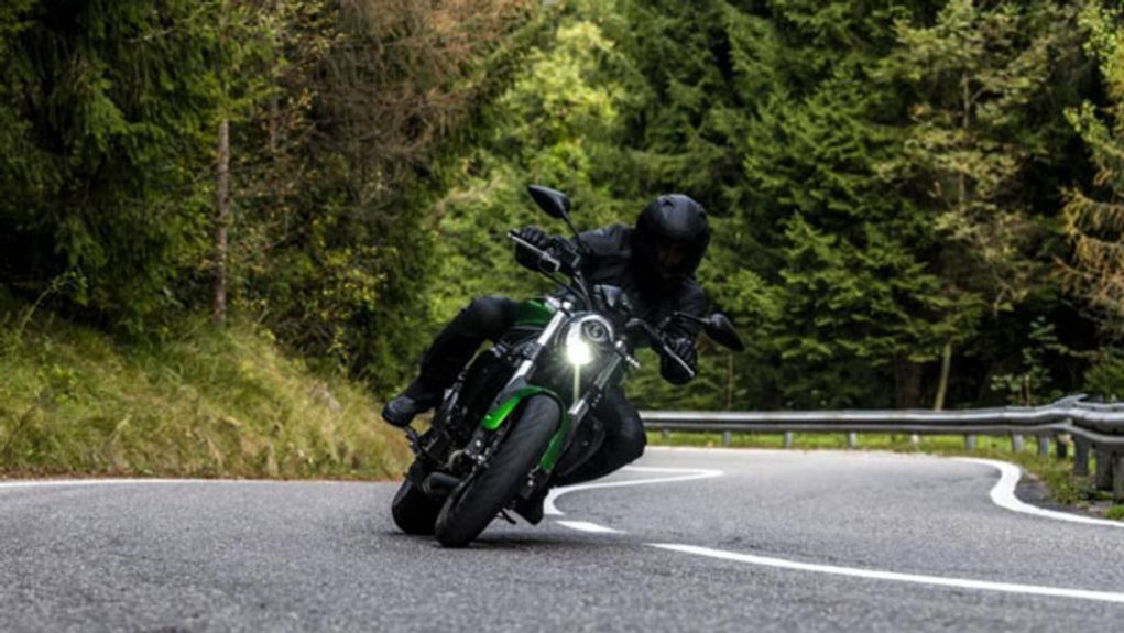 Benelli-752-S-officially-revealed-2