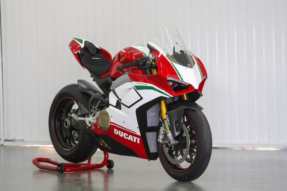 Ducati-delivered-first-Panigale-V4-Speciale-in-India-2