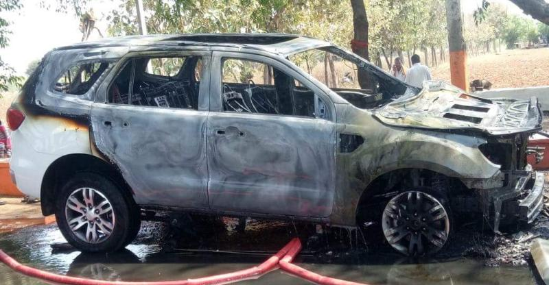 Ford-Endeavour-Fire-1-india