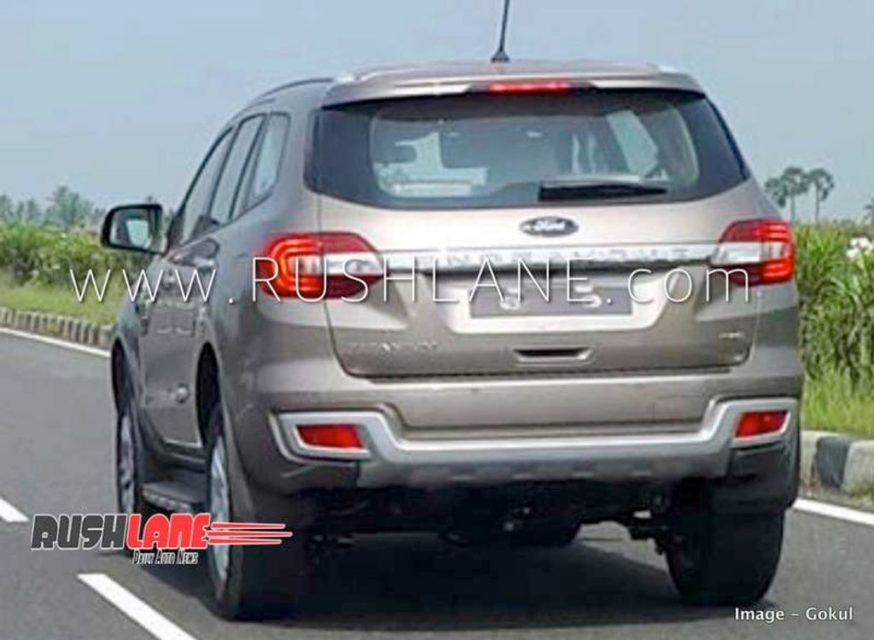 Ford-Endeavour-facelift-spied-in-India-rear