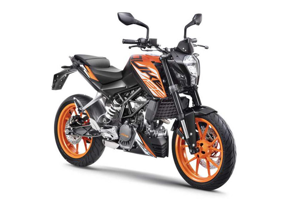 ktm duke 125 vs ktm duke 200 comparison. Black Bedroom Furniture Sets. Home Design Ideas