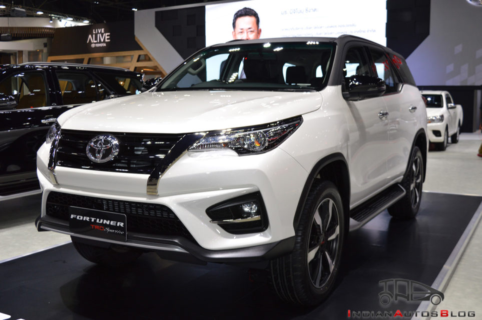 toyota-fortuner-trd-sportivo-2-front