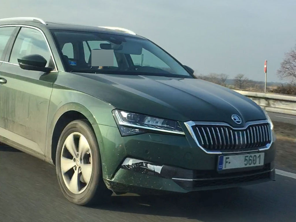 2019 Skoda Superb Facelift Spotted Testing For The First Time