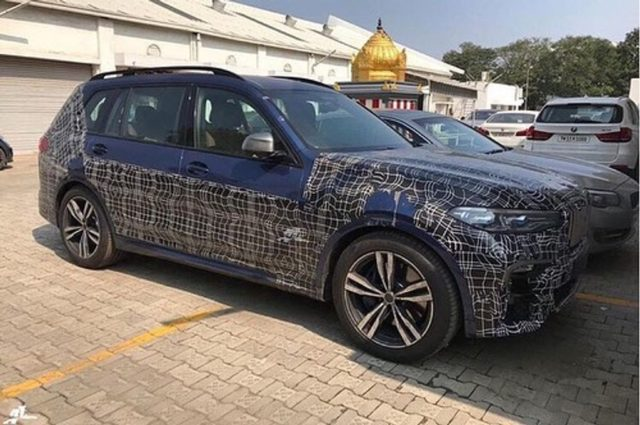 BMW-X7-Spotted-in-India-1