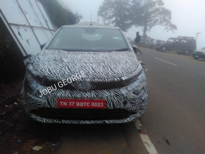 Tata-45-X-premium-hatchback-with-Harrier-dual-headlamp-spied