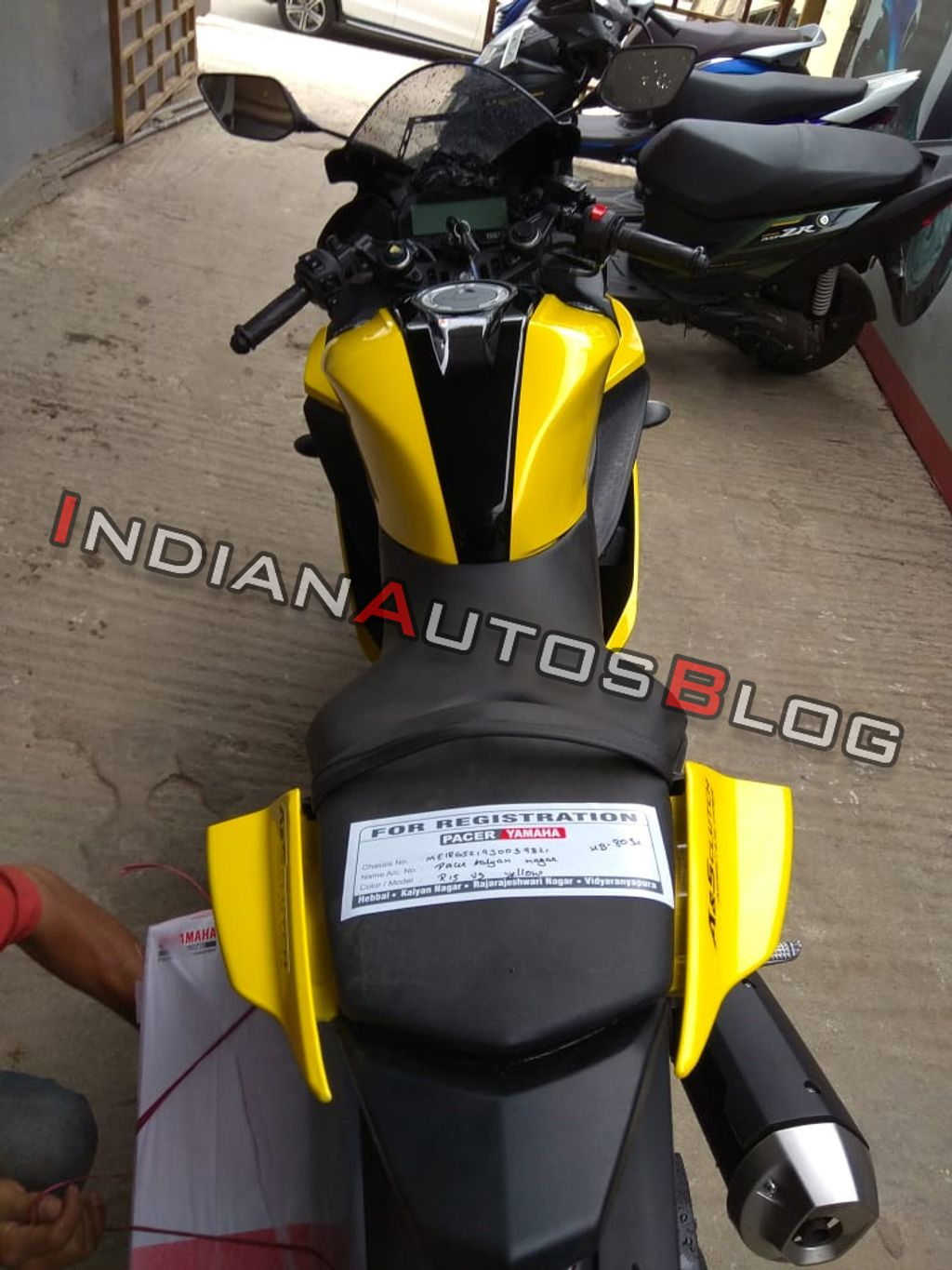 Yamaha R15 V3 0 Black/Yellow Colour Offered By Dealer Looks