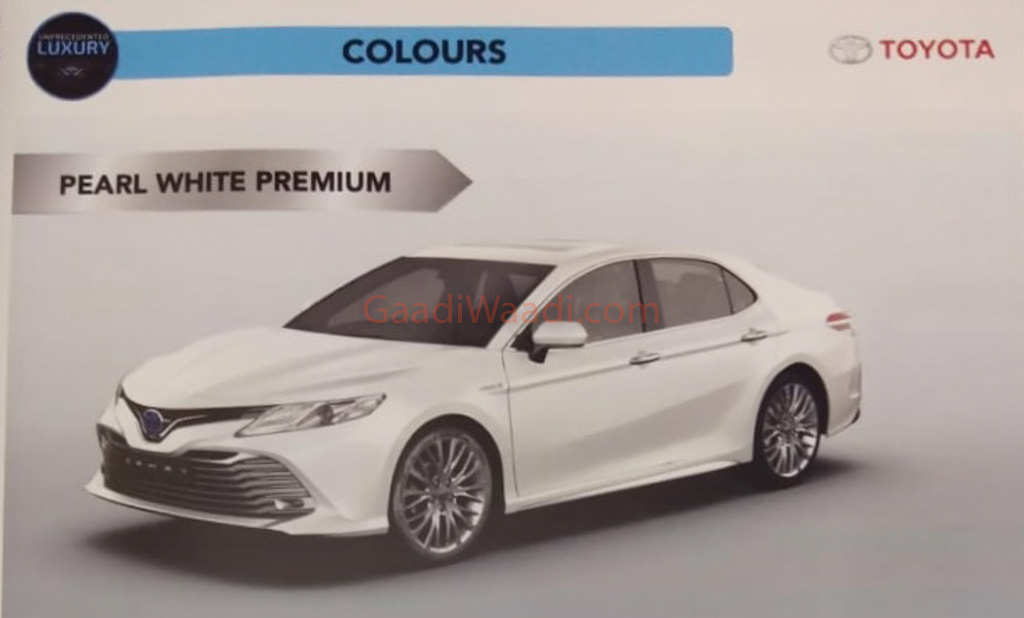 exclusive    toyota camry spied undisguised  india