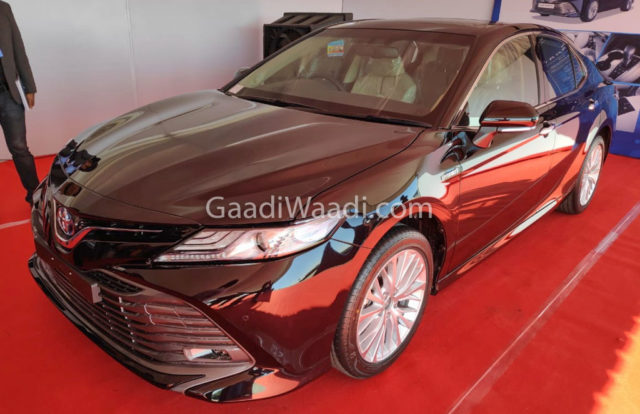 2019 Toyota Camry Hybrid India Launch On 18th Jan