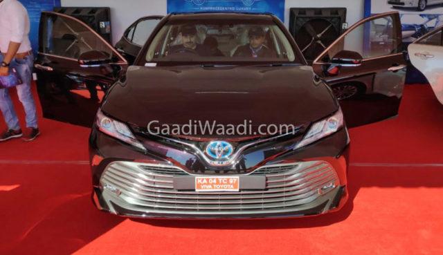 2019 toyota camry hybrid india pics-7