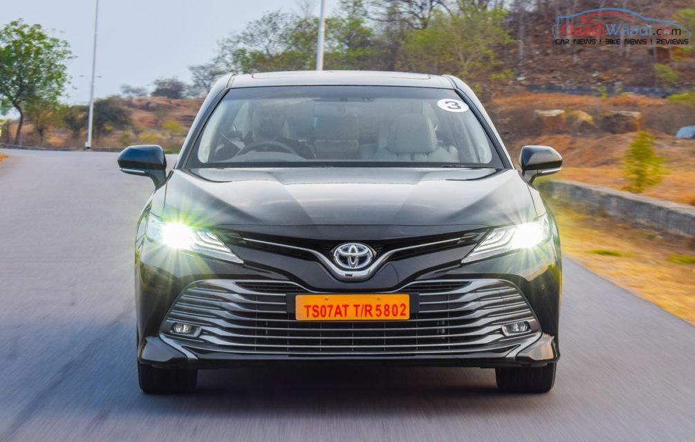 2019 toyota camry review india gaadiwaadi-26