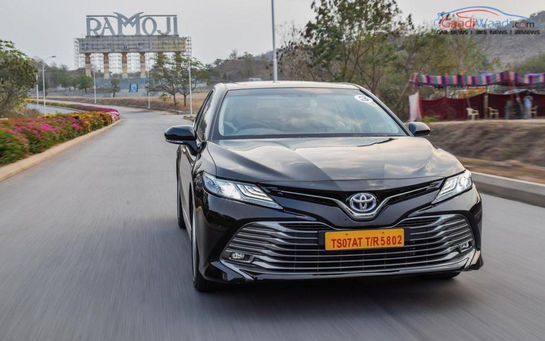 2019 toyota camry review india gaadiwaadi-27