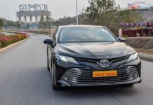2019 toyota camry review india gaadiwaadi-27