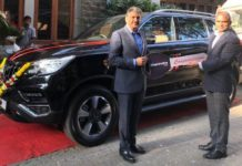 Anand-Mahindra-took-delivery-of-Alturas-G4